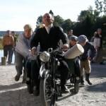Kramkaren Abosch, spilt av Paolo Martini (produksjonens profesjonelle skuespiller)